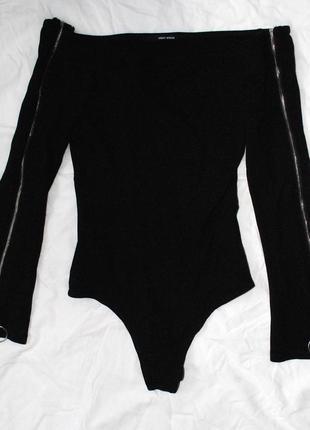Супер жіночне чорне боді з довгим рукавом і замочками