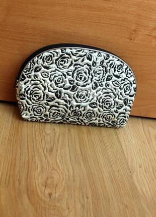 Косметичка клатч кошелёк на молнии бело черная