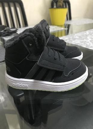 Дитячі теплі кросівки