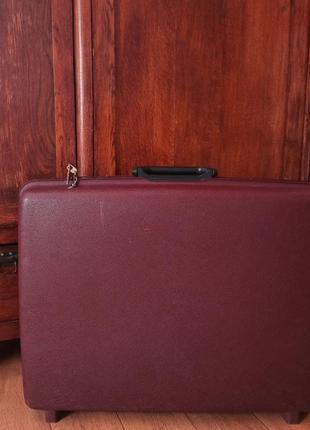 Ретро винтаж брендовый неубиваемый чемодан дорожный саквояж кейс ключи
