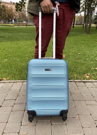 Чемодан,валіза ,польский бренд ,дорожная сумка ,wings ,отличное качество