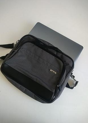 Фирменная сумка для ноутбука asus