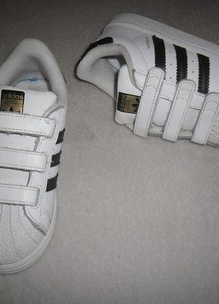 Кроссовки adidas. размер 27.