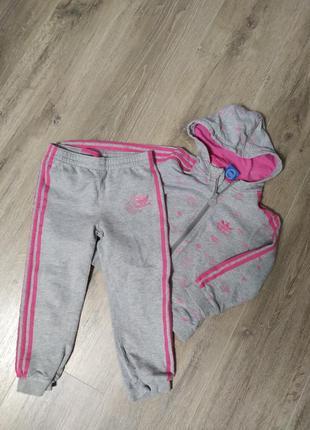 Спортивный костюм малышке adidas оригинал 3-4 года