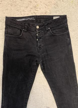 Продам мужские джинсы colins размер м