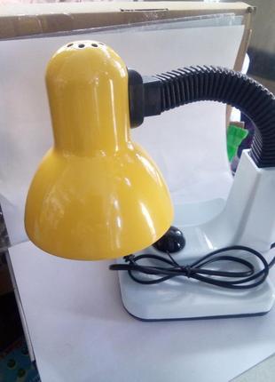 Настольная лампа с регулировкой яркости