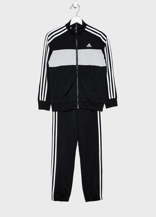 Спортивный костюм adidas оригинал 9-10 лет