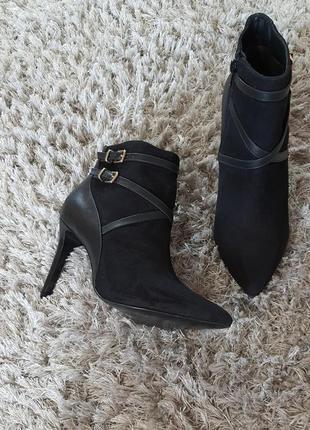 Модельні черевички velvet від andre нат.замш/нат.шкіра р.39. маломірять