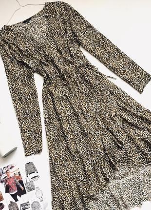 Платье на запах в леопардовый принт
