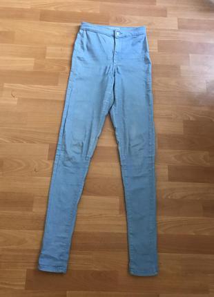 Популярные джинсы на высокой посадке