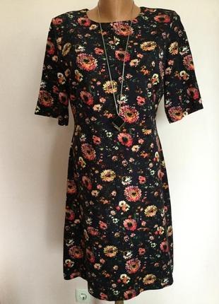 Тёплое трикотажное платье в цветы/l/brend waarehouse