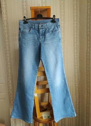 Женские джинси flare