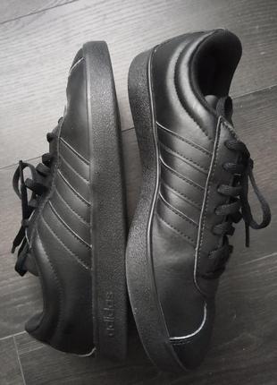 Кроссовки adidas размер 37-38