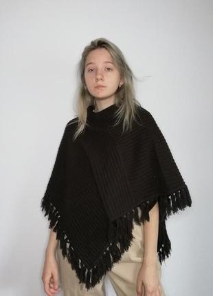 Вязаное пончо накидка женское. накидка жіноча темна однотонная тепла