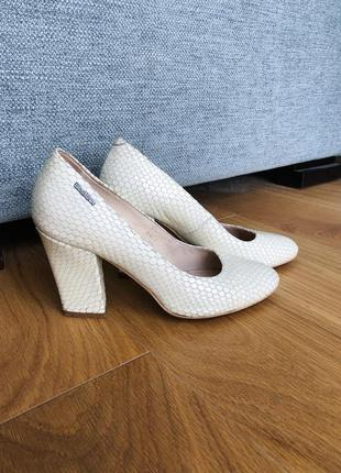 Туфлі 37 розмір (шкіра)