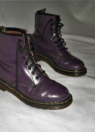 Оригинальные ботинки бренда dr. martens