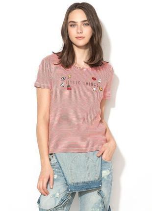 Полосата футболка в рубчик з надписом