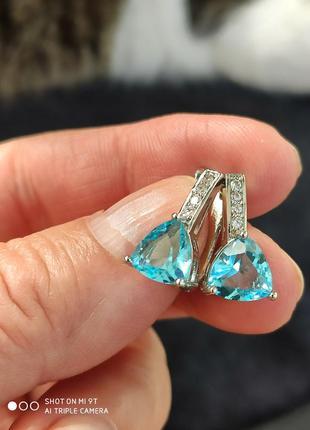 Сережки с треугольным топазом,проба 925.