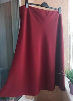 Красивая бордовая юбка миди