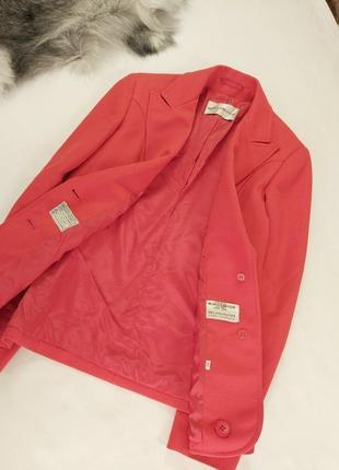 Шикарный стильный новый пиджак