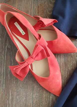 Красивые туфли лодочки , цвет красный коралл