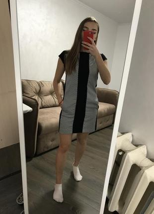 Чёрное платье с принтом