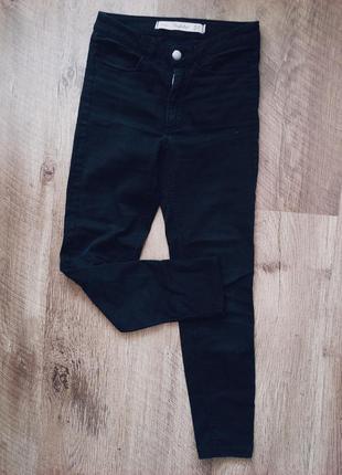 Черные узкие джинсы скини высокая талия zara