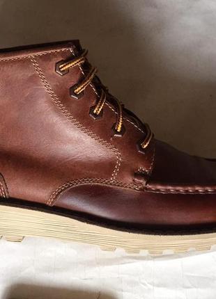 Кожаные стильные ботинки кларкс