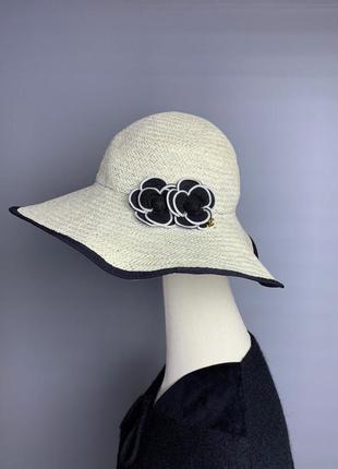 Chanel camellia flower шляпа
