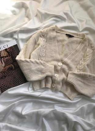 Продан молочный  кардиган свитер вязаный в косы косами  как zara h&m mango