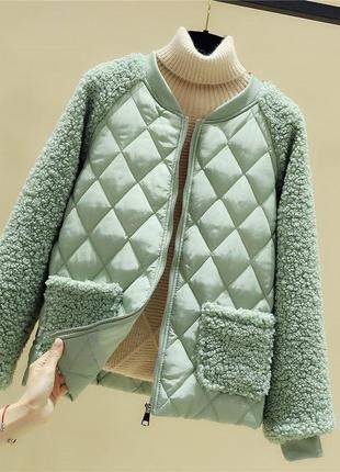 Красива нова стильна осіння куртка мятного кольору