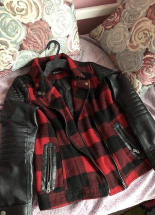 Осіння куртка від house