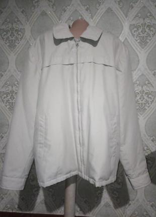 Утеплённая деми курточка большого размера