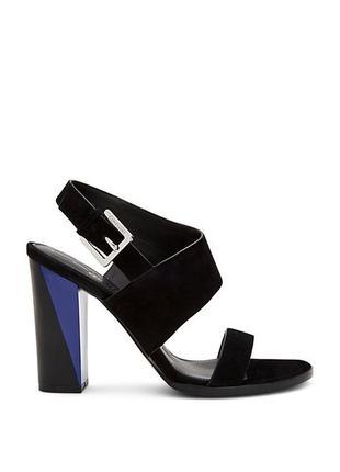 Calvin klein оригинал черные замшевые босоножки на широком каблуке с синими элементами
