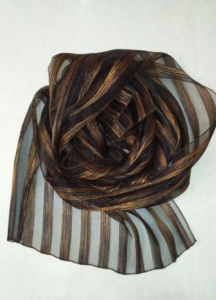 Прозрачный, лёгкий шарф с полосками с золотой люрексовой нитью