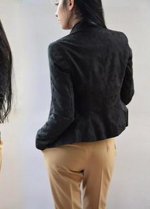 Фактурный пиджак, жакет. жакардовый
