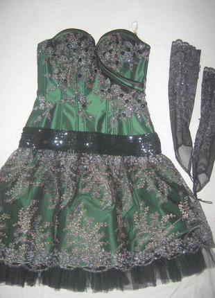 Шикарное платье с камнями, бисером и паетками!