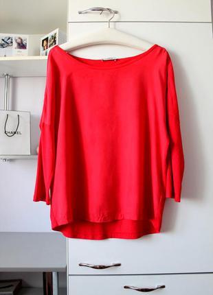 Красная кофточка с шелковым передом от public