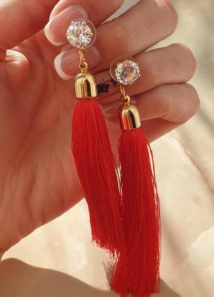 Серьги кисточки красные