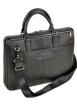 Мужской кожаный портфель изготовлен из натуральной мягкой кожи, три отделения