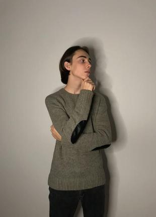 Вязаний шерстяний чоловічий светр сірого кольору. вязаный мужская кофта