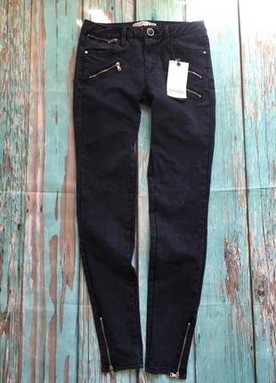 Очень классные джинсы фирмы zara,темно-синего цвета