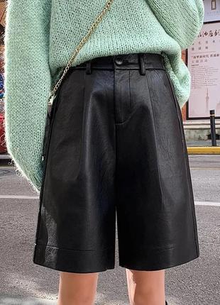 Продам кожаные шорты бермуды