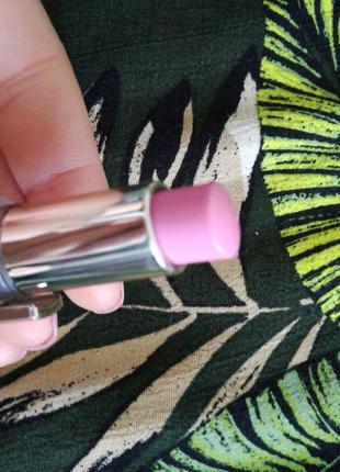 Губная помада бальзам l'oreal (01 fashionista pink), трендовый розовый оттенок