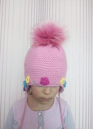 Отличная зимняя шапка на 3-5лет.