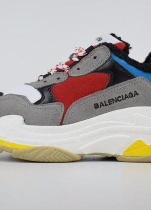 Женские кроссовки balenciaga triple s серые с красным