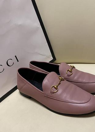 Розовые кожаные туфли лоферы мюли gucci