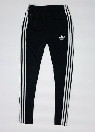 Спортивные штаны  от фирмы adidas originals