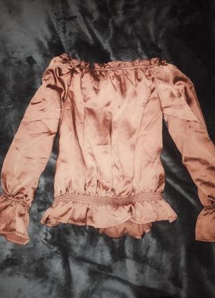 Очень красивая мвободная блуза
