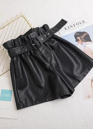 Женские кожаные шорты